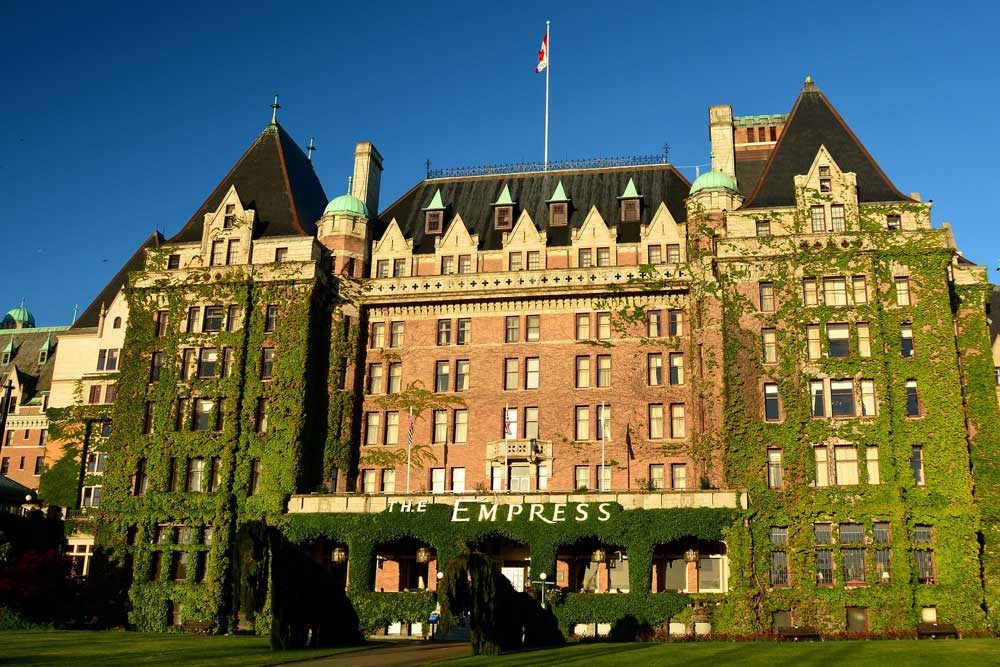 canada-victoria-empress-hotel-1271401_1920